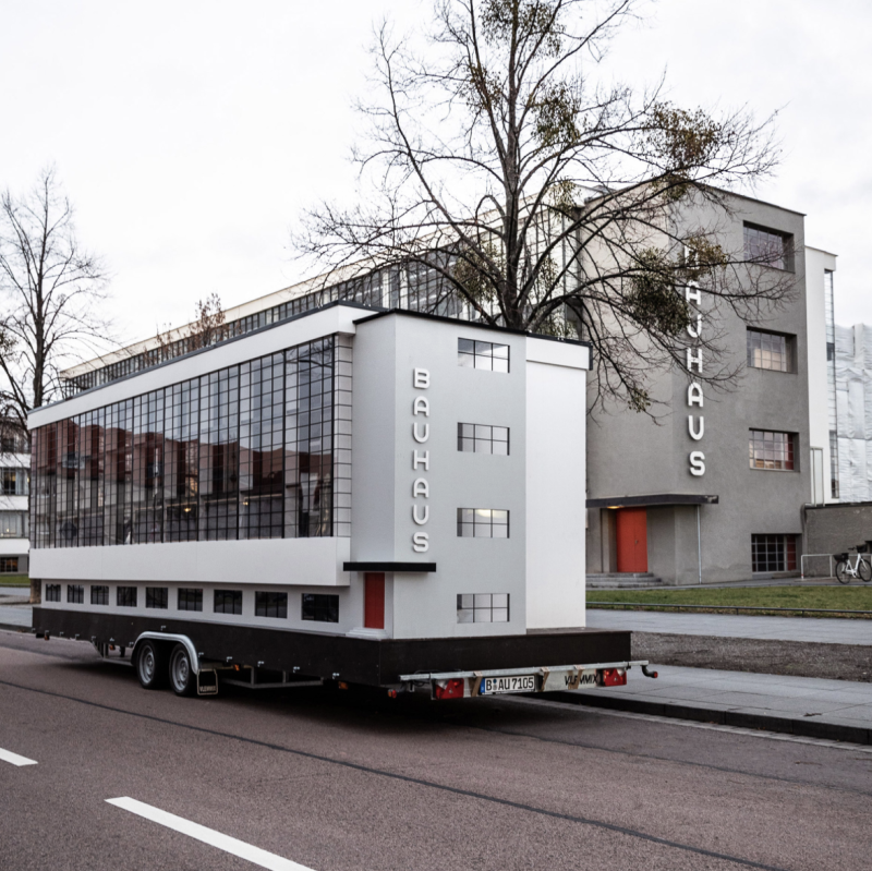 Bauhaus bus